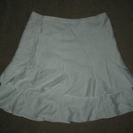 TRADED New BCBG MaxAxria White Skirt 2 is being swapped online for free
