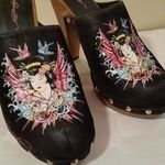 Ed Hardy sz 9 Clogs is being swapped online for free