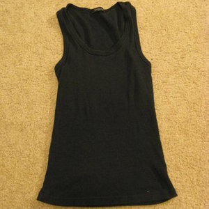 forever 21 black tank top x-small/small is being swapped online for free