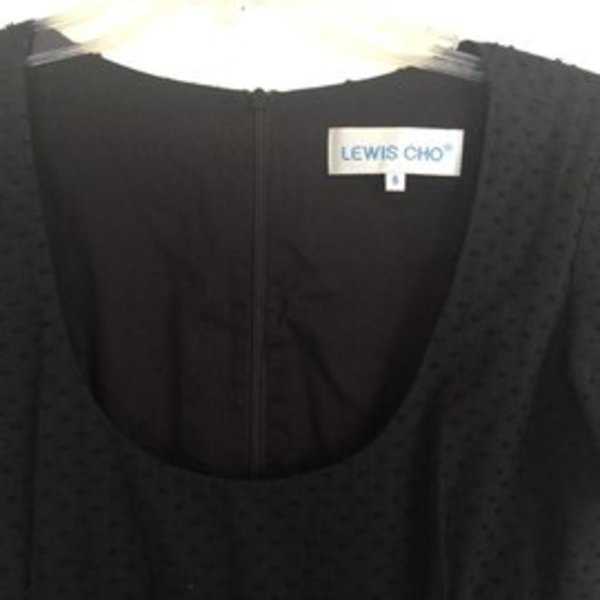 Lewis Cho tunic size 6 is being swapped online for free