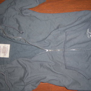 HOLLISTER summer sweater jacket Large Medium is being swapped online for free