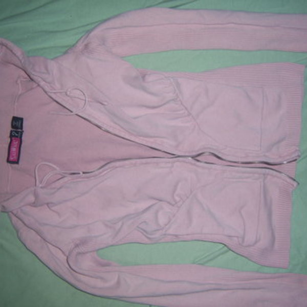 SMALL pink sweater hooded is being swapped online for free