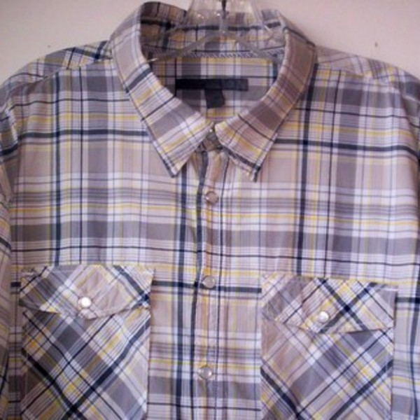 Mens Western Old Navy Shirt XXL is being swapped online for free