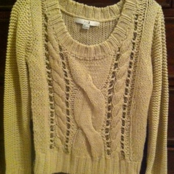 Forever 21 chunky chain detail sweater is being swapped online for free