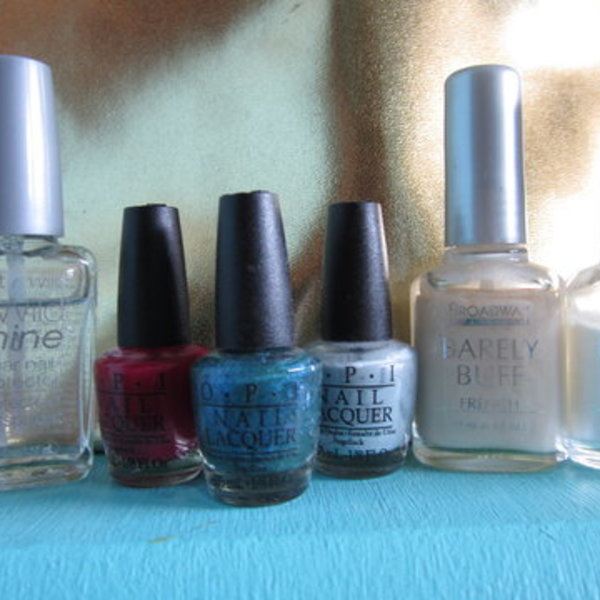 mini opi nail polish collection is being swapped online for free
