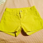 Bright yellow Shorts 0/2 (from Francescas) is being swapped online for free