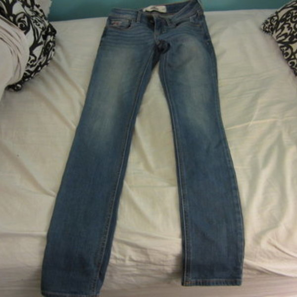 hollister super skinny jeans is being swapped online for free