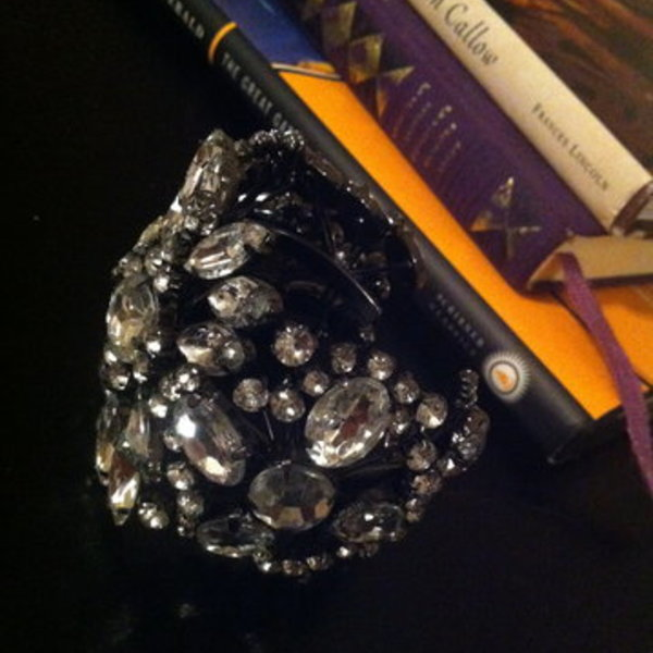 Chunky, Sparkly Express cuff bracelet is being swapped online for free