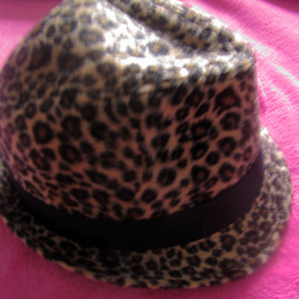 Forever 21 leopard hat is being swapped online for free