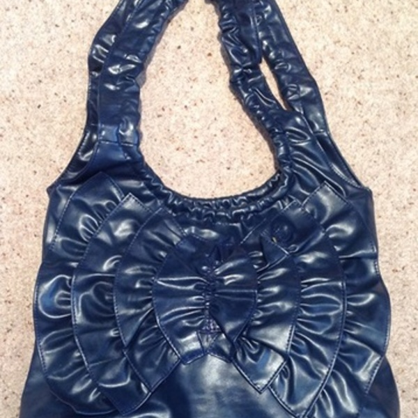 Blue/ teal Large Flower Shoulder Bag. is being swapped online for free