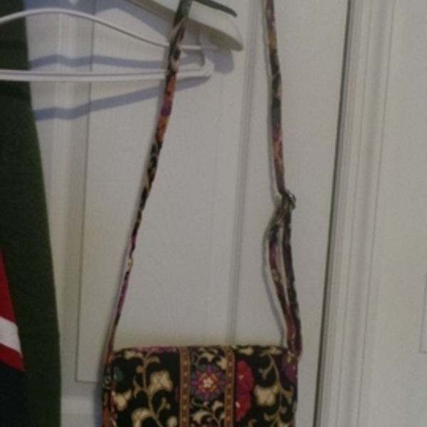 NEW Vera Bladly bag is being swapped online for free