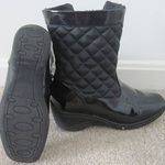 waterproof heel wedge boots 6M is being swapped online for free
