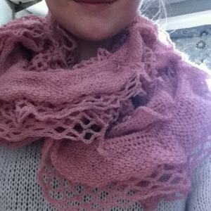 blush pink infinity scarf from heartbreaker is being swapped online for free