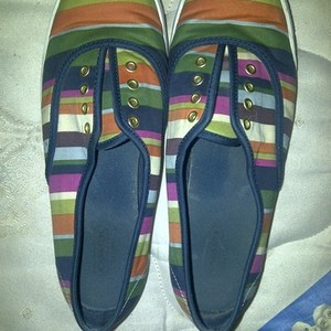 coach slip ons:) is being swapped online for free