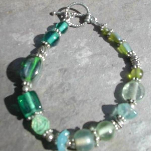 *Silver Glass Bead Bracelet is being swapped online for free