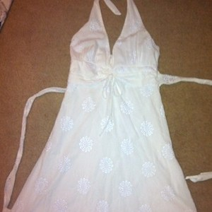 white summer dress small sz. 3 is being swapped online for free