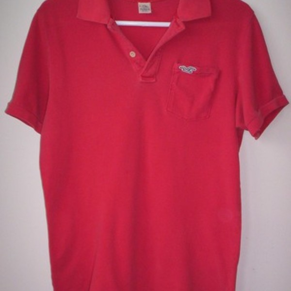 Mens Hollister Salmon Polo Shirt Large is being swapped online for free