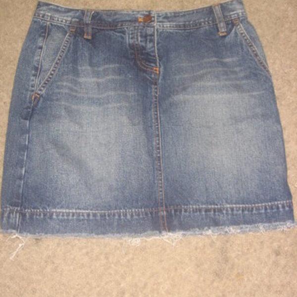 J Crew denim skirt is being swapped online for free