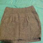 grey tweed skirt is being swapped online for free