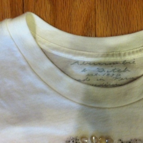 Beautiful Abercrombie Beaded Tee Medium is being swapped online for free
