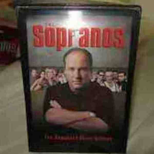 THE SOPRANOS COMPLETE SEASON 1  VHS SET is being swapped online for free