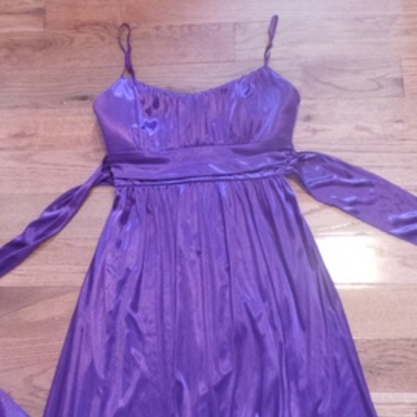 SILKY DRESS Size M is being swapped online for free