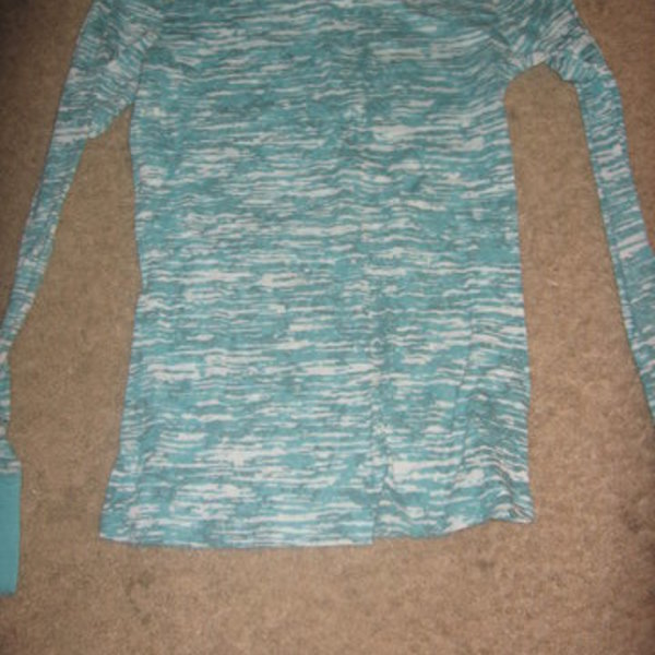 Cute Blue Top Small is being swapped online for free