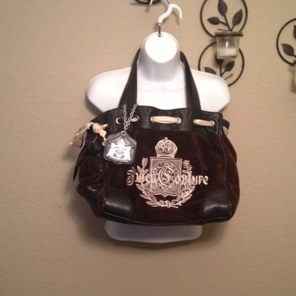 Juicy Couture Brown Daydreamer is being swapped online for free