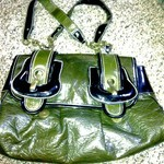 CUTE LARGE GREEN LEATHER PURSE is being swapped online for free
