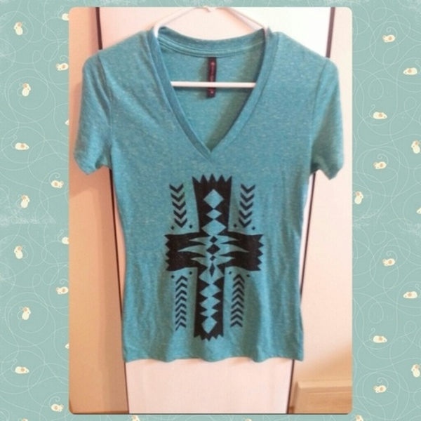 Tribal Blue Vneck is being swapped online for free