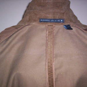 Vintage Perry Ellis Jacket M is being swapped online for free