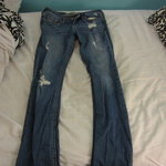 hollister destroyed skinny jeans is being swapped online for free