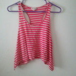 Pink striped crop to is being swapped online for free