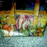 NICE FLORAL DESIGN SONDRA ROBERTS PURSE is being swapped online for free