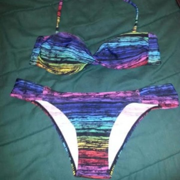 NWOT Rainbow Bikini is being swapped online for free