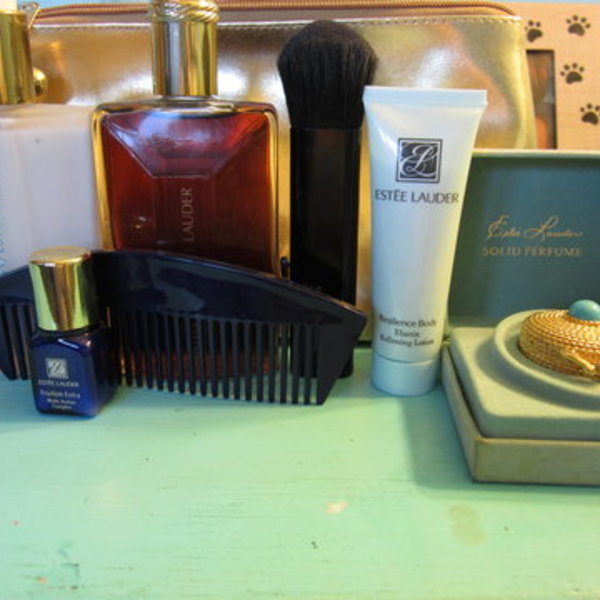 estee lauder lot is being swapped online for free