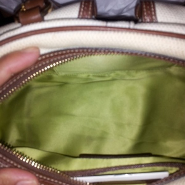 COACH field bag is being swapped online for free
