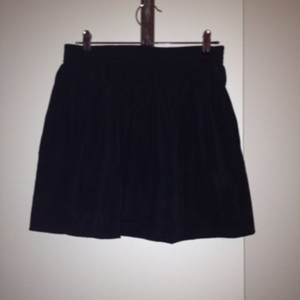 Bluejuice black skirt is being swapped online for free