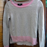 Grey & Pink Mossimo Sweater is being swapped online for free