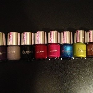 Kiss NYC Mini Nail Polishes x8 is being swapped online for free