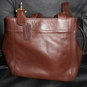 Coach Purse Authentic Vintage Leather Soho Tote Bag is being swapped online for free