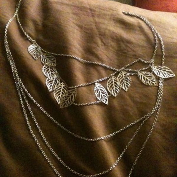 Silver Leaves Necklace is being swapped online for free