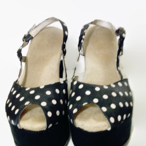Polka Dot Platform Wedges Sz 6.5 is being swapped online for free