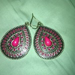 NEW TEARDROP RED STONE EARRINGS is being swapped online for free
