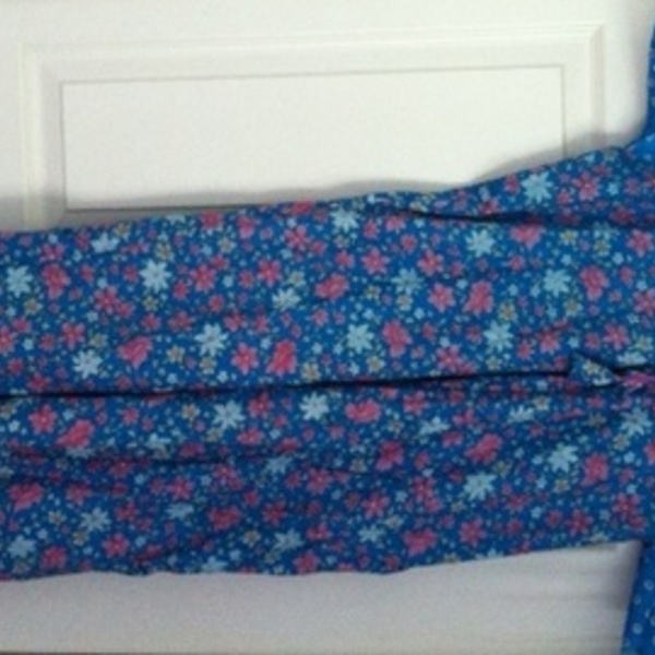 Flowery night gown/dress is being swapped online for free