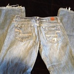 American Eagle distressed jeans is being swapped online for free