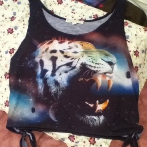 Galaxy saber tooth tiger crop top is being swapped online for free