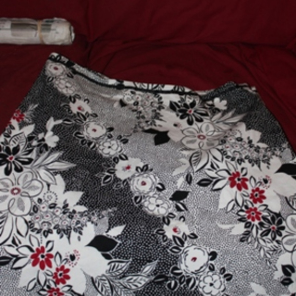 black and white skirt sz 16 is being swapped online for free
