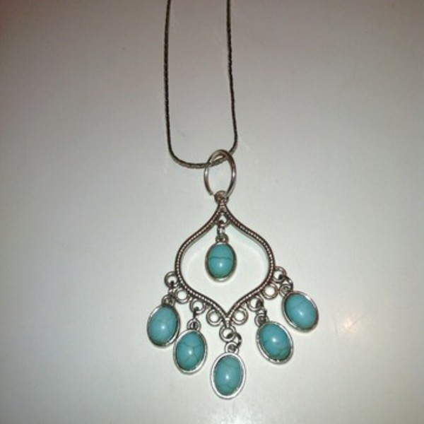 PRETTY BLUE TURQOUISE NECKLACE is being swapped online for free