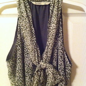 Old Navy tie-front blouse size S is being swapped online for free